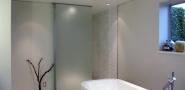 Найбільш ходові і улюблені палітри кольорів для стилю мінімалізм у ванній кімнаті