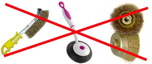 Використання жорстких губок і металевих щіток категорично забороняється