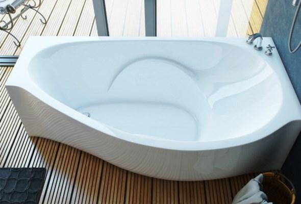 Ванни зі штучного мармуру бувають різних видів, наприклад - кутові