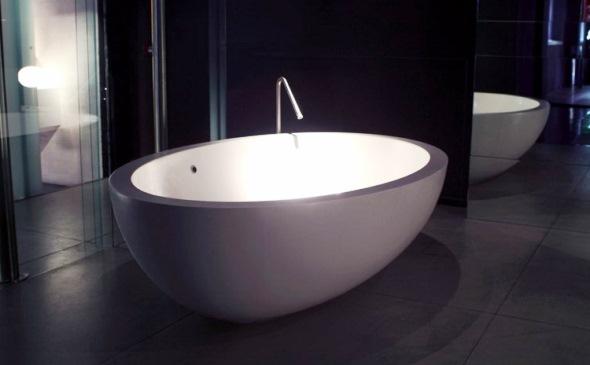 Ванни зі штучного каменю виготовляються будь якої форми та кольорів