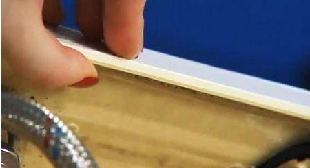 у якісних акрилових ванн, товщина зрізу біля бортика повинна бути приблизно 6 мм
