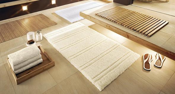Теплий, пухнастий килимок у ванну з бавовни - виглядає благородно