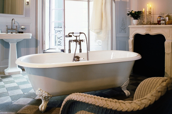 При необхідності буде актуальним установка невеликого м'якого крісла або стільця для відпочинку після прийняття гарячої ванни
