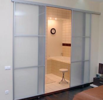 Розсувні двері у ванну кімнату