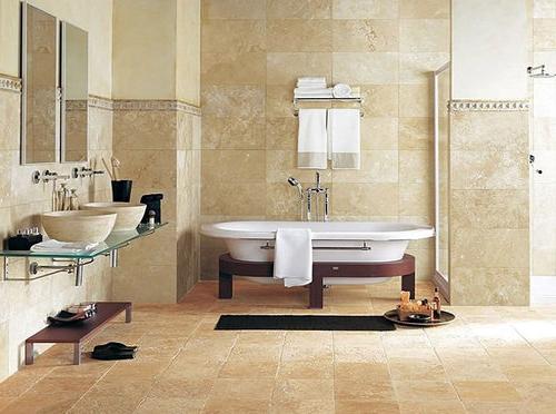 Наприклад, для обробки італійської керамічної плитки нерідко використовується природний камінь, яким також багата Італія. Подивіться на фото, яка незвичайна текстура у плитки, декорованої даним матеріалом.