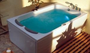 Велика ванна для пари