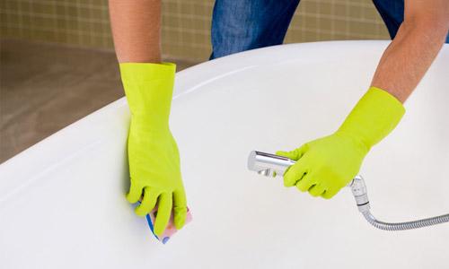 Чим чистити чавунну ванну: народні методи та професійні засоби