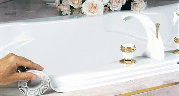 Бордюрна стрічка для ванної буває різних кольорів і різної ширини