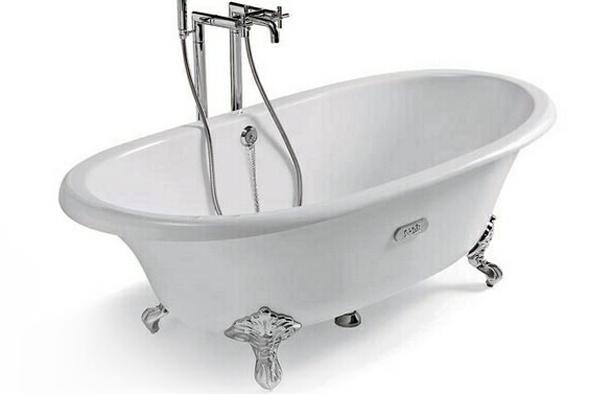 Каркас у випадку кварилової ванни виконує лише декоративні функції