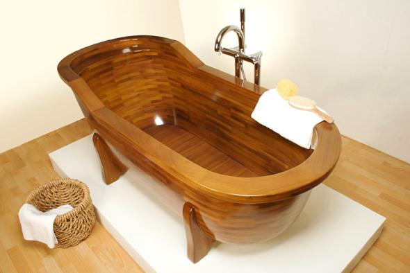 При виготовленні дерев'яних ванн використовуються дорогі вологостійкі сорти дерев