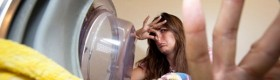 Як позбутися від затхлого запаху з пральної машини
